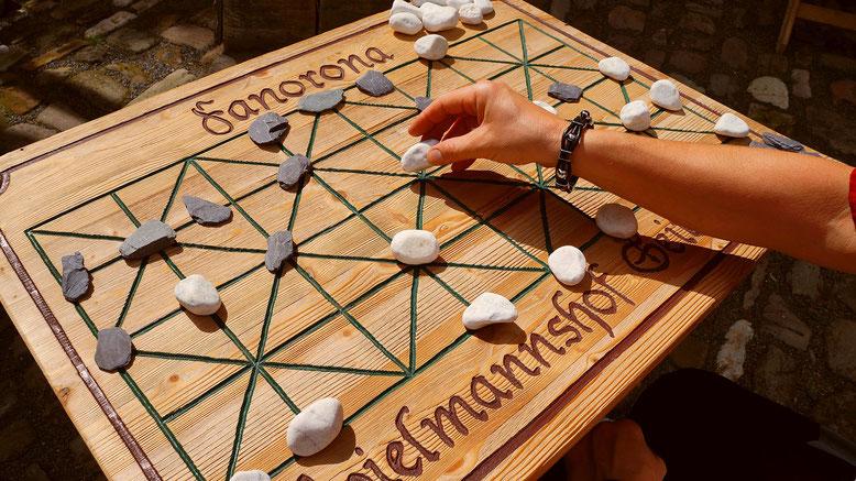 Spielmannshof Seitenroda Brettspiel Fanorona Madagaskar