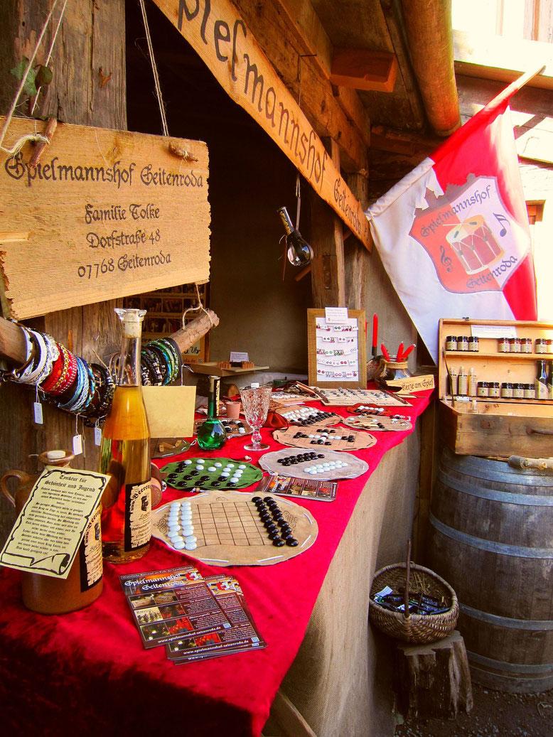 Marktstand vom Spielmannshof auf dem Mittelalterspektakel der Leuchtenburg