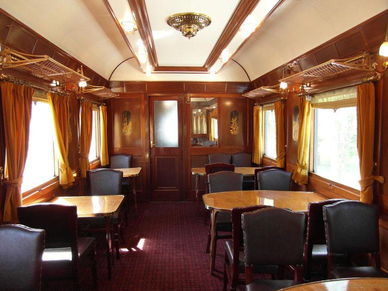 Interior del coche en el que viajamos. Foto: DescubreHuesca.com