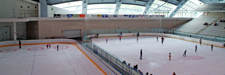 Pista de hielo de Jaca. Foto www.pabellondehielojaca.com