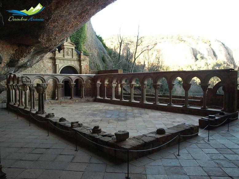 Claustro Real Monasterio de San Juan de la Peña.