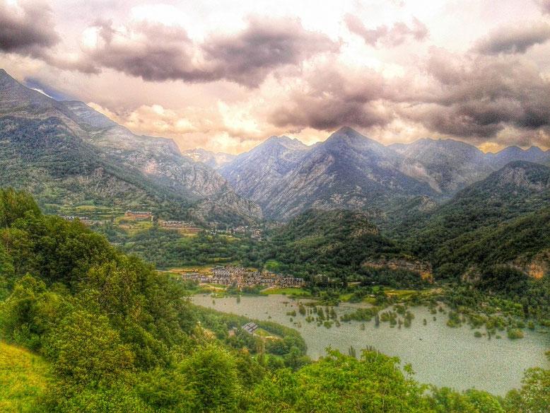 El Pueyo de Jaca y Panticosa desde Tramacastilla. Foto: DescubreHuesca.com