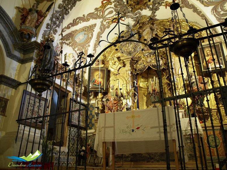 Altar ermita virgen de la Peña, Aniés, Huesca.