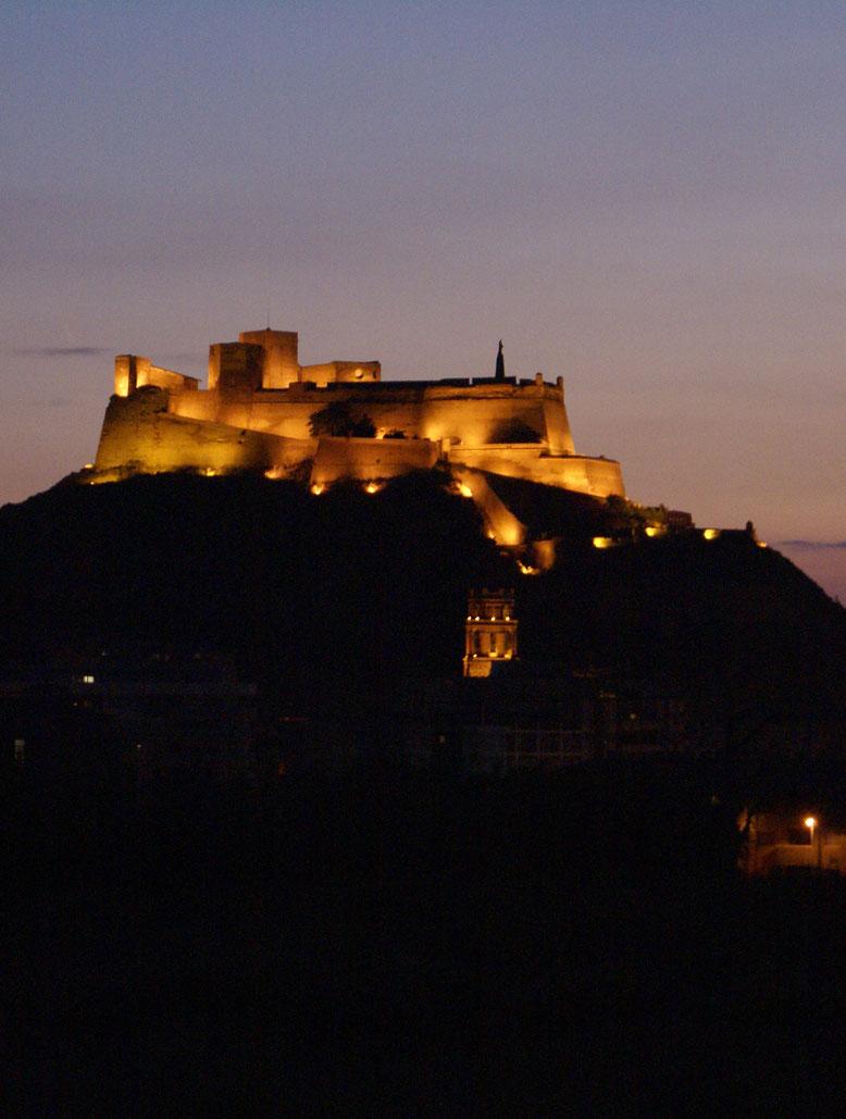 El Castillo de Monzón. Foto gracias a turismocincamedio.es
