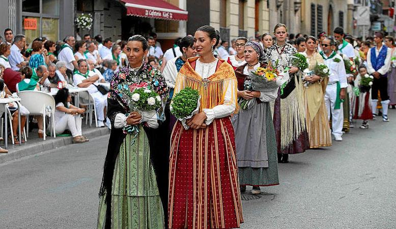 Ofrenda frutos y flores San Lorenzo Huesca 2015 Foto gracias a heraldo.es