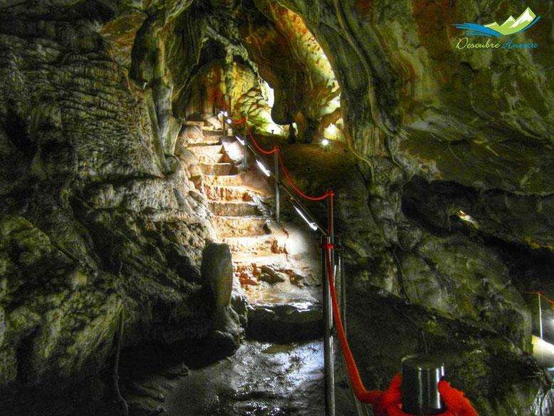 Cueva de las Güixas, Villanúa.