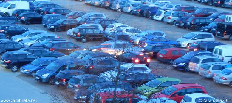 Chaos Parkplatz ©Zarahzeta2015