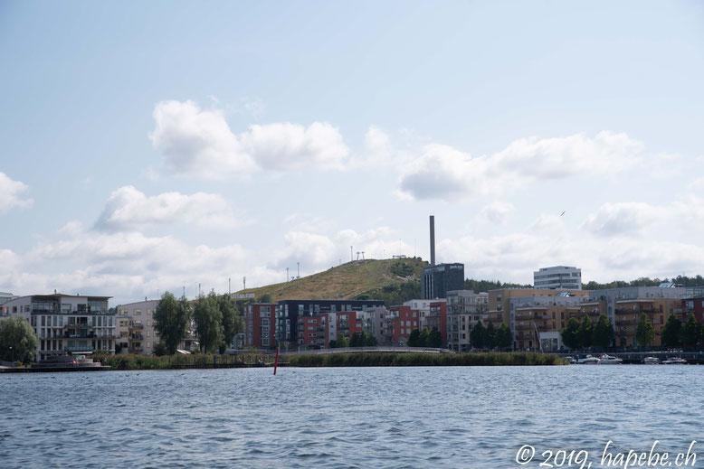 Das Skigebiet Stockholms ist eine markante Erhebung.