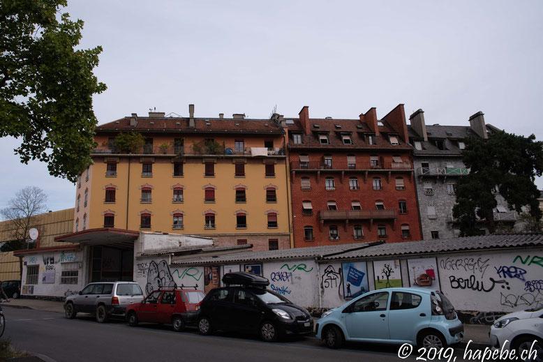 Farbenfrohe Häuserzeilen
