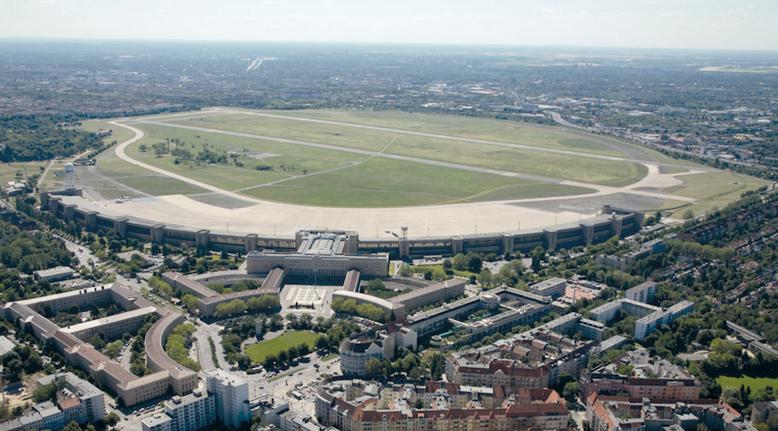 Excursie - Tempelhof - Koude Oorlog - Derde Rijk - Tweede Wereldoorlog - Architectuur - Nederlandstalige gids