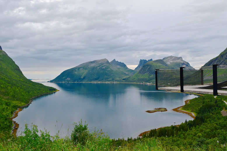 This is Senja, Norway - Bergsboten utsiktsplattform