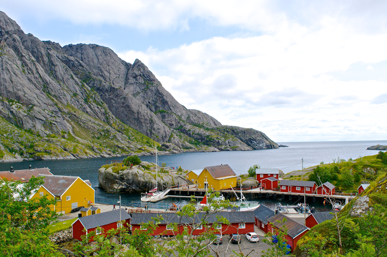 Hiking in the Lofoten - Nusfjord