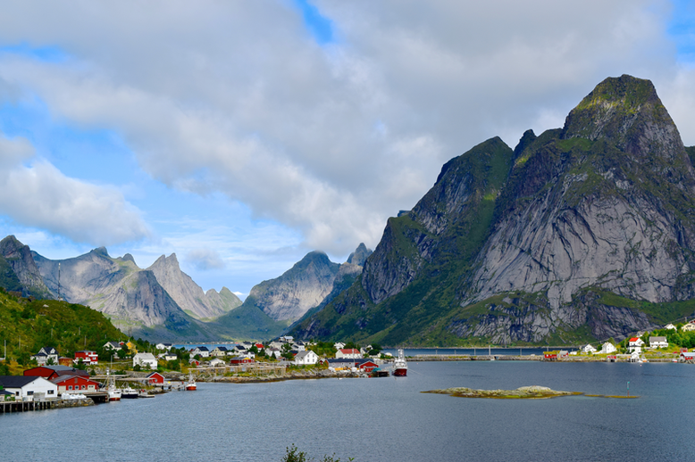 From Tromso to the Lofoten Islands - Reine
