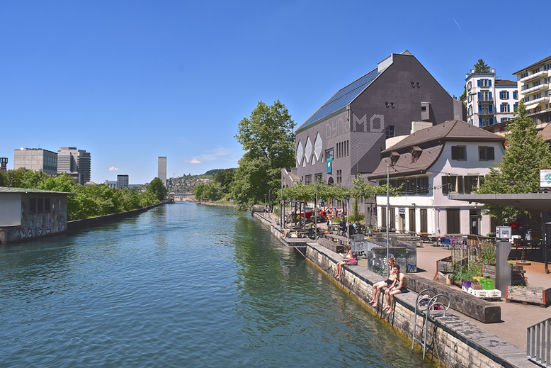 Unique and Cool Things to Do in Zurich, Switzerland - Limmat River