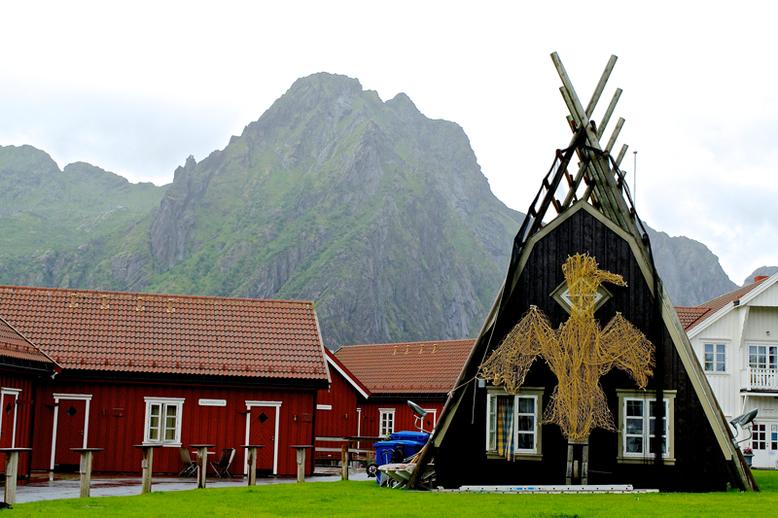 From Tromso to the Lofoten Islands - Solvaer