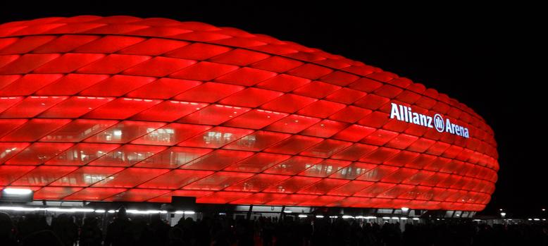 Allianz Arena erstrahlt mit neuer LED Beleuchtung - pauled.de
