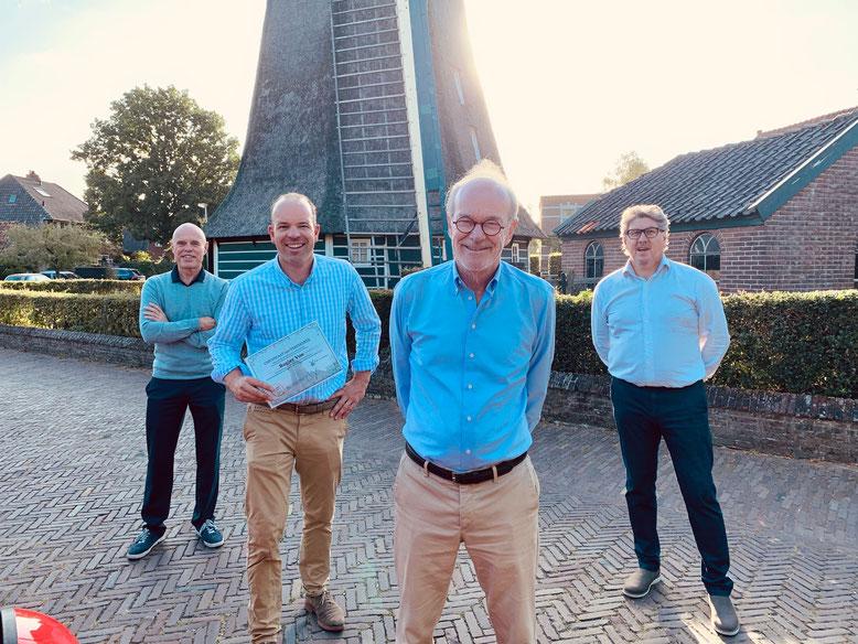 Nieuw bestuur stichting Vrienden van de Laarder Molen