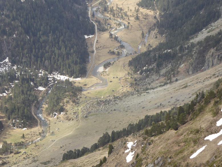 Le vallon du Marcadau depuis la Yègue