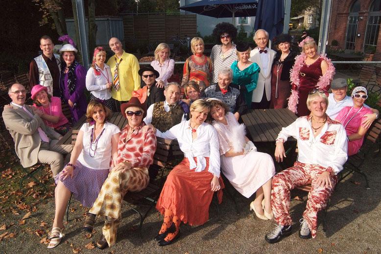 """Pressebild zur Revue """"Herzklopfen"""" 2009 - Wiederholung in 2010 Chor Clamott Schlager Evergreens Schwerte"""