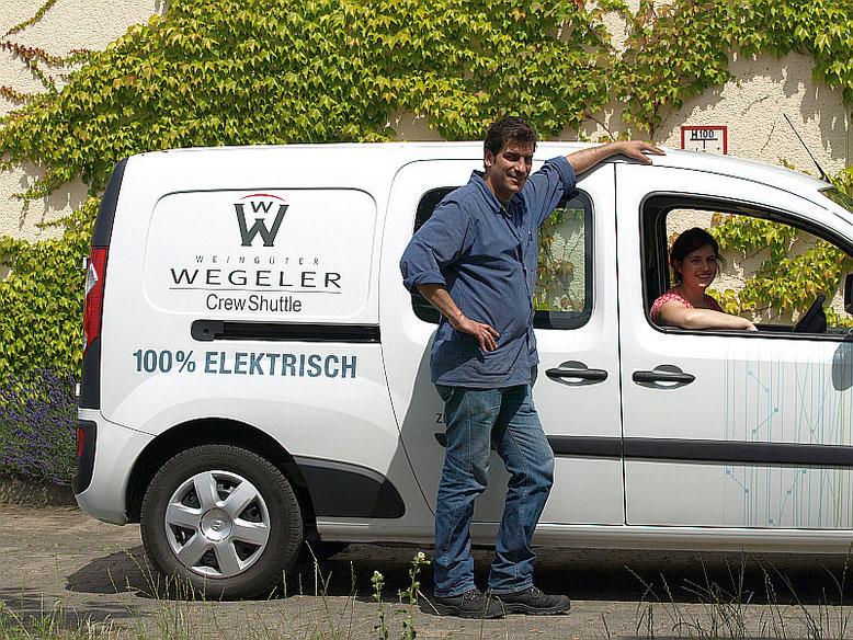Andreas Holderieth und Maike Münster,  beide Oenologen und Winzermeister, tätig für die Weingüter Wegeler  Bild: Weingüter Wegeler