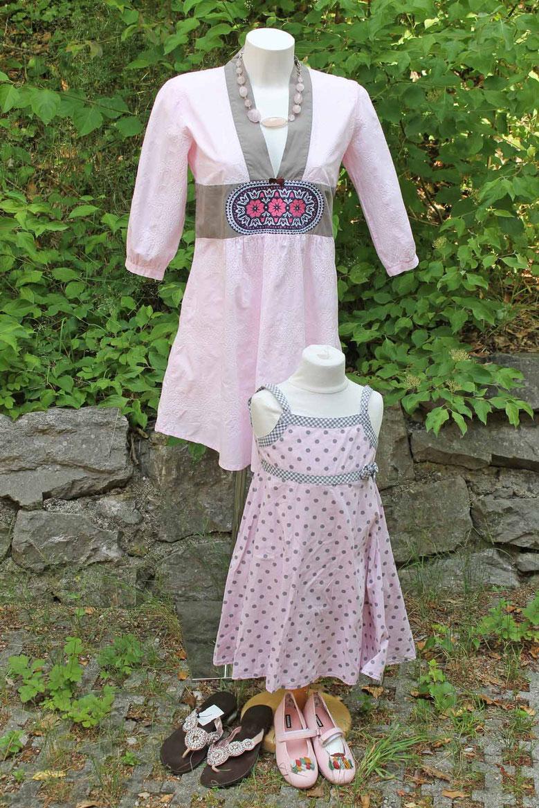 Second-Hand: Tunika in Rose-Grau mit Stickerei, Mädchenkleid in rosé mit grauen Pünktchen,