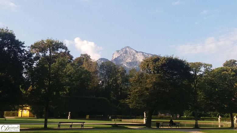 Salzburg - Schlosspark Hellbrunn mit Blick auf den Untersberg