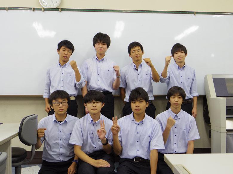 インターンシップ体験後の事後研修の生徒の様子を載せています。