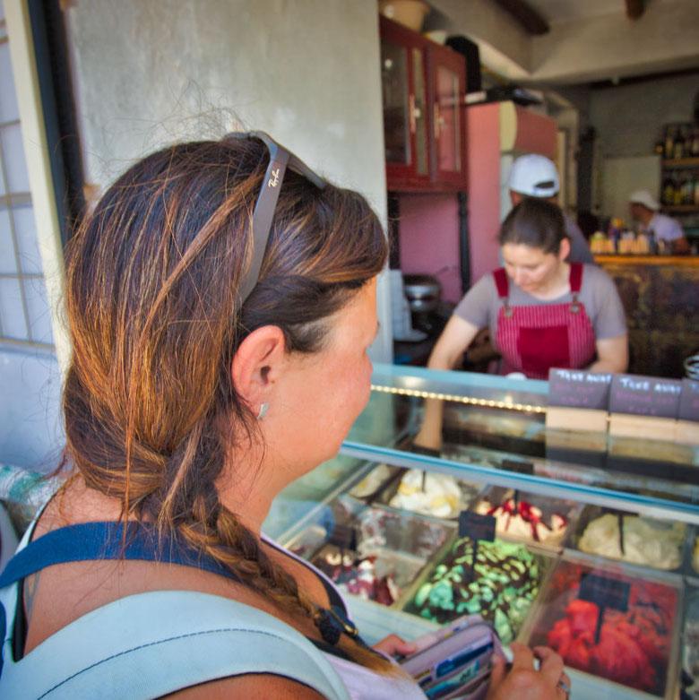 Eis essen auf Korfu