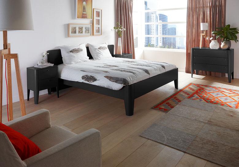 Op deze afbeelding ziet u het ledikant Mondeo. Bij de bedbak is het hoofdeind gelijk aan het voeteinde. De foto van de bedbak volgt.