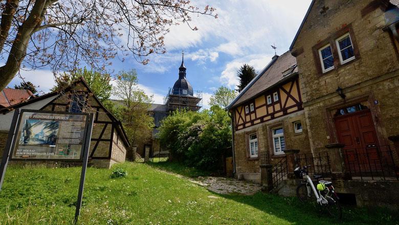 Niedergrunstedt, Kirche und Pfarrhaus