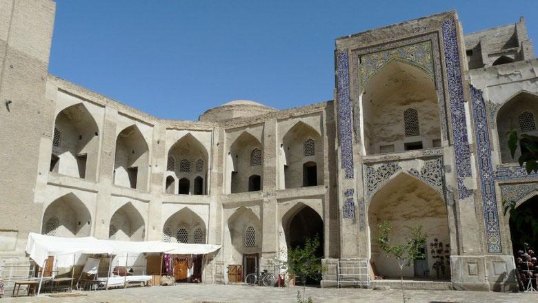 L'interieur d'une madrassa (ecole coranique) a Bukhara