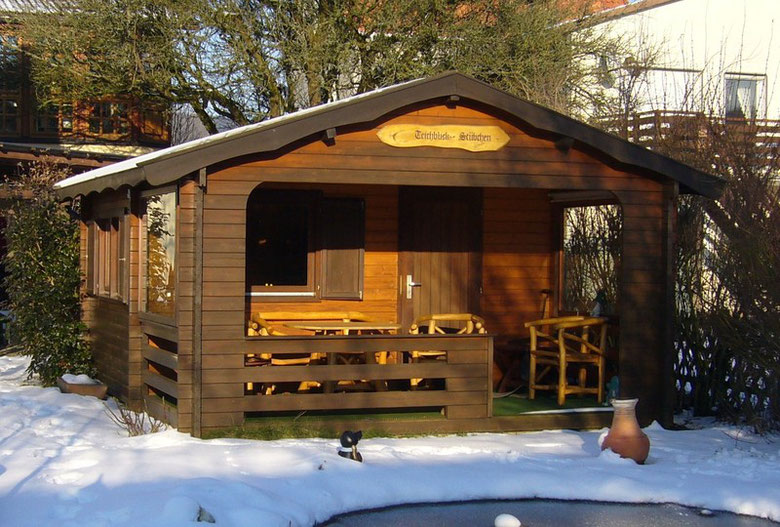"Unser Gartenhaus, das ""Stübchen"""