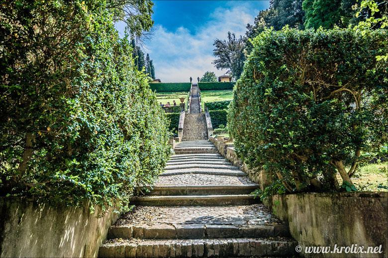 Лестница от дворца Питти к садам.