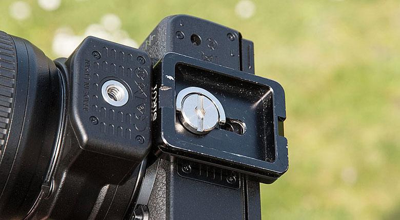 Unterseite NIKON Z7 mit SIRUI Stativadapter. Foto: bonnescape.de