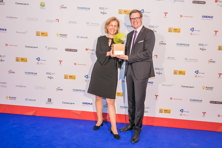 Green Franchise Award 2018 für AccorHotels Deutschland - Marion Stemmler & Sascha Dalig © Deutscher Franchiseverband e.V