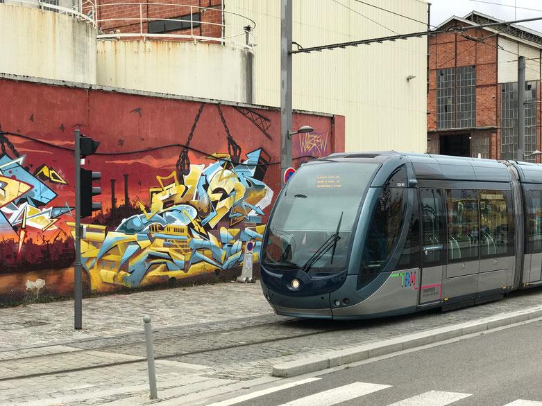 Artwork found near to La Cité du Vin