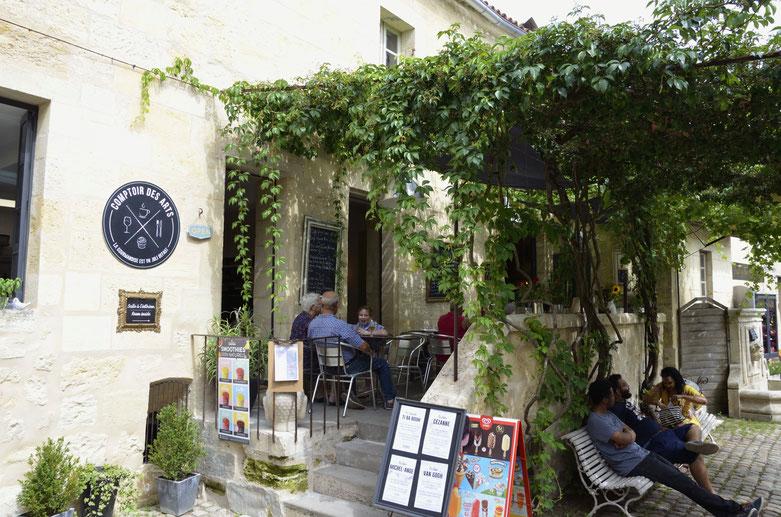 Cafe scene, Saint-Emilion