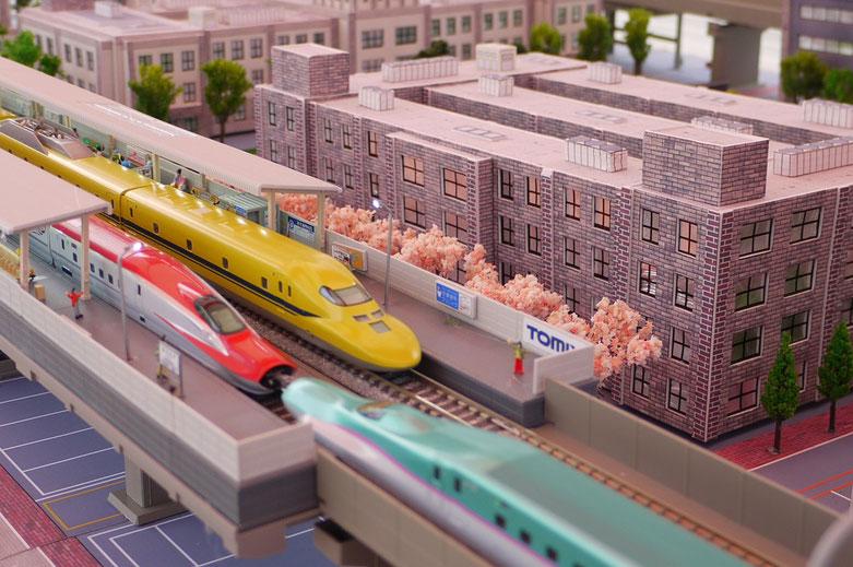 北陸新幹線もあります