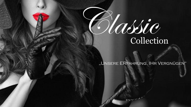 Bondage & BDSM @Love Clamps - Frau mit Hut und Peitsche - Rote Lippen - Lederhandschuhe