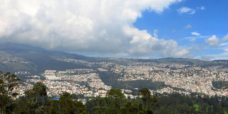 Teilansicht von Quito, der höchstgelegenen Hauptstadt der Welt.