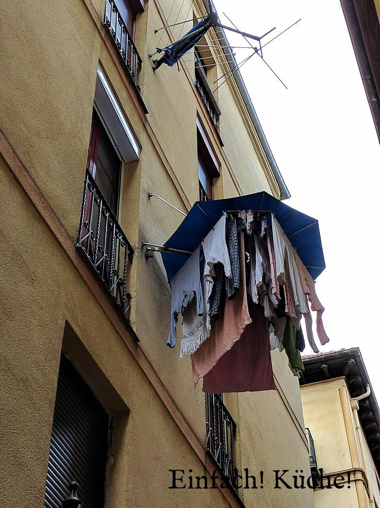 Einfach! Küche! Bilbao, Spanien - Wäsche auf der Leine