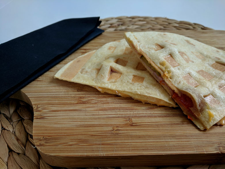 Einfach! Küche! Adventskalender 2018 - Türchen No. 21 - Quesadillas aus dem Waffeleisen