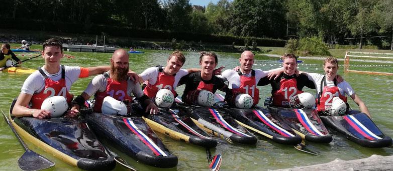 Die zweite Herrenmannschaft des DRC Neuburg (vl.) Lion Winter, Benedigt Ott, Moritz Grassl, Hannes Rottmann, Uli Burger, Luca Kolb, Lorenz Grassl