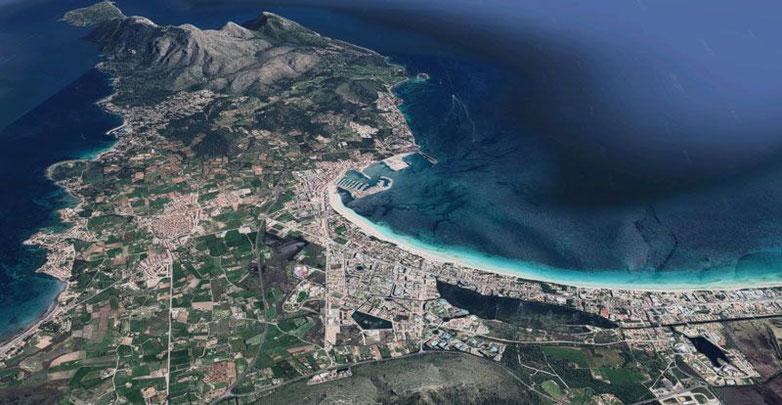 Vista aérea de Alcúdia y Puerto de Alcúdia. Imagen de Google Maps.
