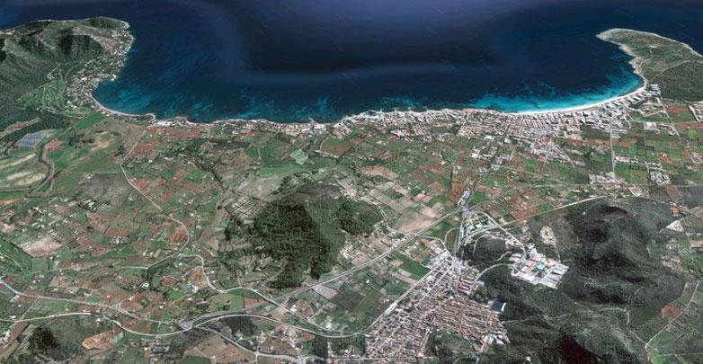 Vista aérea de Cala Millor, Cala Bona, Costa de los Pinos y Son Servera. Imagen de Google Maps.