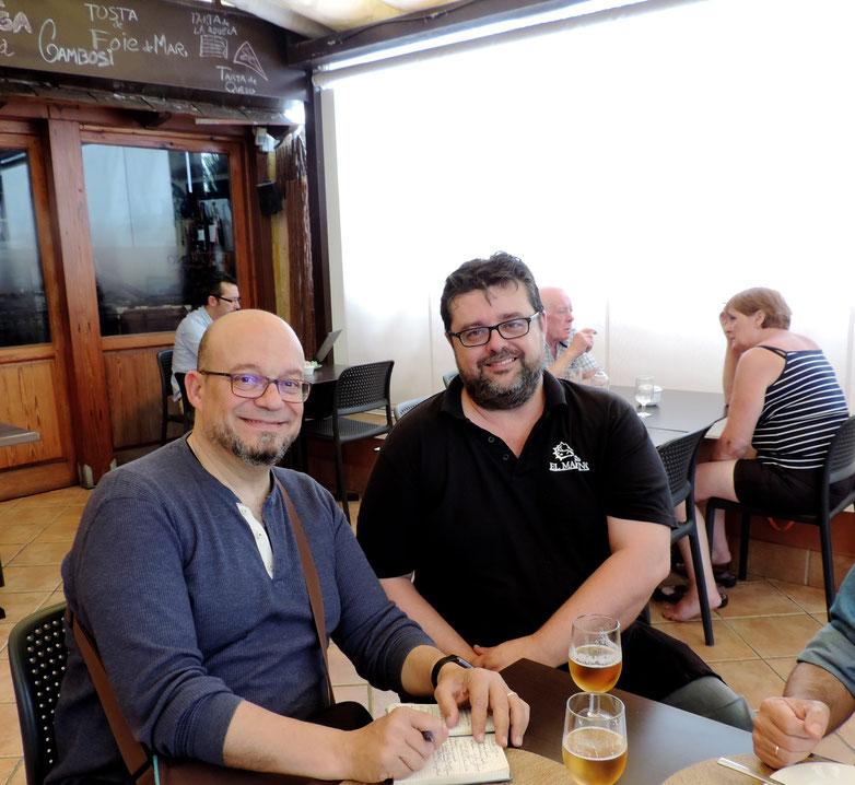 El crítico gastronómico, Paco Alonso, y Bati Bordes, del Marino Rotes, con los detalles del reportaje para RTVE