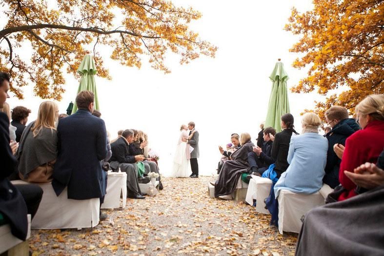 Freie Trauung, Hochzeitsredner, Bayern, München, Johann Jakob Wulf, Strauß & Fliege, Hochzeit, Blog, Chiemsee, Outdoor