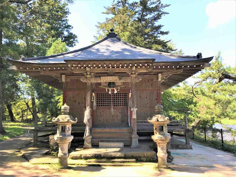 松尾芭蕉「奥の細道」の名瀑 乙字ヶ滝