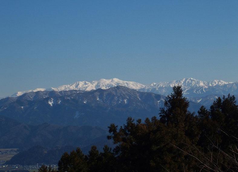 素晴らしい白山です。(住職の話だと、登って来た時はもっとすっきりしていたそうです)