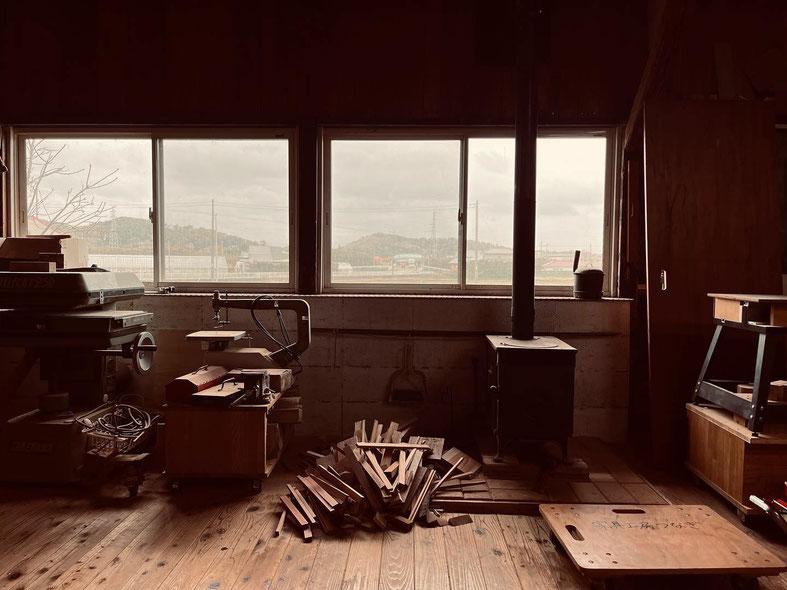 南房総で山桜の家具を作っています